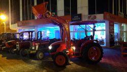 traktor_on_yukleyici_456789
