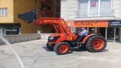 traktor_on-kepce-4