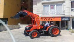 traktor_on-kepce-5