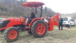 traktor-kepce345345