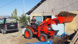 kuzeytek_traktor_on_yukleyici_fl01-(3)